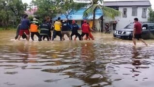 MRI-ACT Kaltim Salurkan Bantuan untuk Korban Banjir Besar