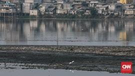 DPRD DKI Bakal Panggil Dinas SDA soal Sampah Waduk Pluit