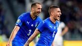 Gol kemenangan Italia dicetak oleh Marco Verratti di menit ke-86. Tendangan Verratti ke arah tiang jauh membuat kiper Bosnia, Ibrahim Sehic mati langkah. (REUTERS/Massimo Pinca)
