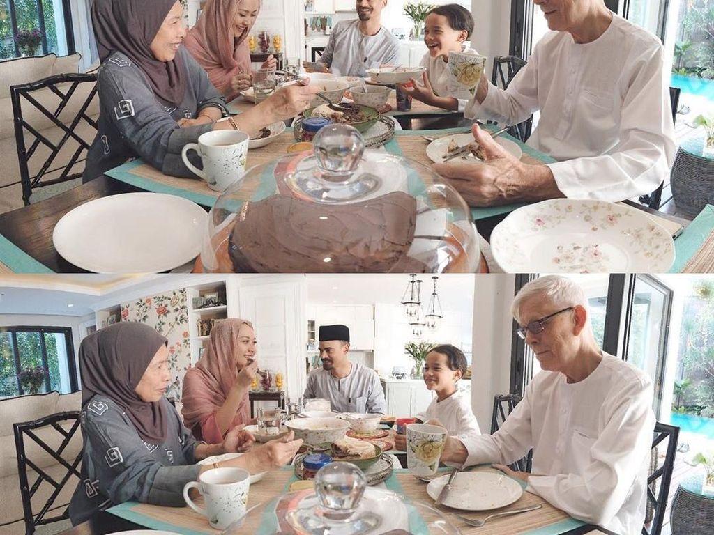 Makan bersama dengan mamah, papah, kakek dan nenek. Noah tampak sangat senang sekali. Hmm, hidangan spesial lebaran pun disajikan lengkap. Foto: Instagram@bclsinclair