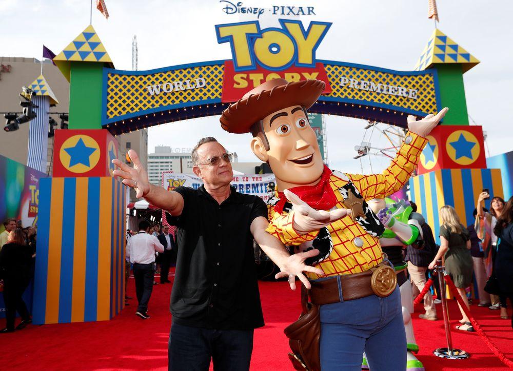 Acara pemutaran perdana film ini juga dihadiri aktor-aktor yang mengisi suara karakter-karakter di Toy Story 4, salah satunya Tom Hanks yang telah mengisi suara pada karakter Woody. (REUTERS/Mario Anzuoni)