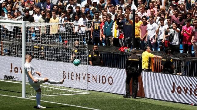 Jovic merupakan pemain termahal keempat di Madrid setelah Cristiano Ronaldo, Gareth Bale, dan Eden Hazard. (REUTERS/Susana Vera)