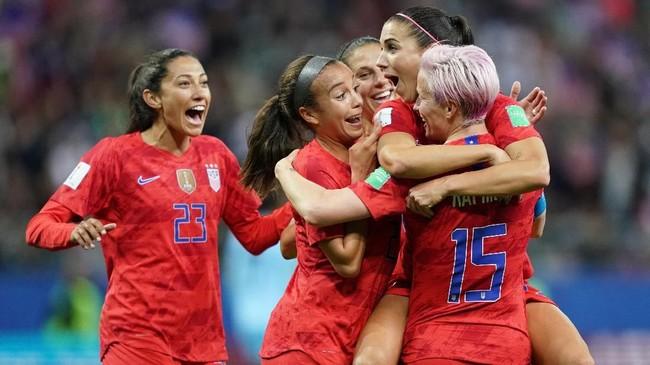Kemenangan 13-0 ini membuat Amerika Serikat memantapkan status mereka sebagai salah satu tim favorit di Piala Dunia Wanita 2019. (Photo by Lionel BONAVENTURE / AFP)
