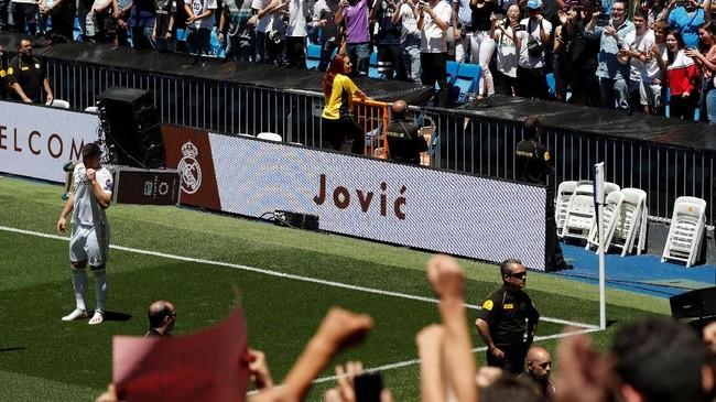 Pemain 21 tahun yang mencetak 27 gol dari 48 penampilan pada musim 2018/2019 itu akan menjadi andalan baru Real Madrid di lini depan. (REUTERS/Susana Vera)