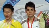 Lee Chong Wei bersama Lin Dan di turnamen Hong Kong Terbuka 2007. Lin Dan jadi rival utama dalam karier Lee Chong Wei.(LAURENT FIEVET/AFP)