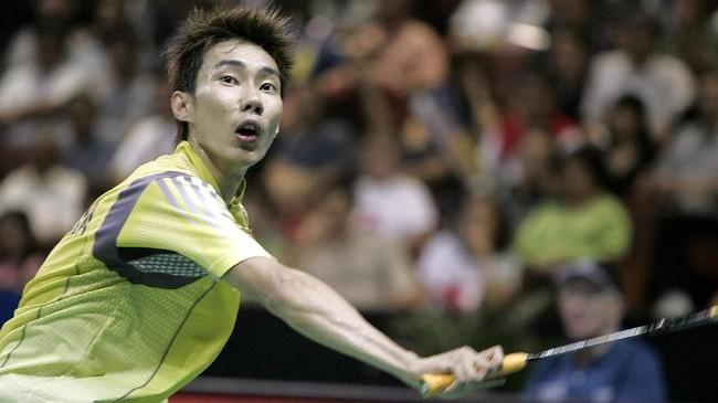Lee Chong Wei lalu masuk dalam persaingan papan atas di dunia bulutangkis. Ia bisa merebut sejumlah gelar di tengah ketatnya kompetisi antar pemain. (GERARD BURKHART/AFP)