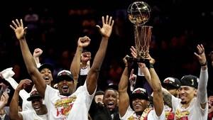 FOTO: Raptors Klub Pertama di Luar AS Juara NBA
