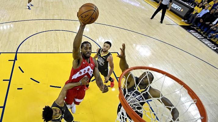 Kawhi Leonard yang juga peraih gelar most valuable player (MVP) dan bintang Toronto Raptors, diketahui masih suka mengendarai mobil tuanya.