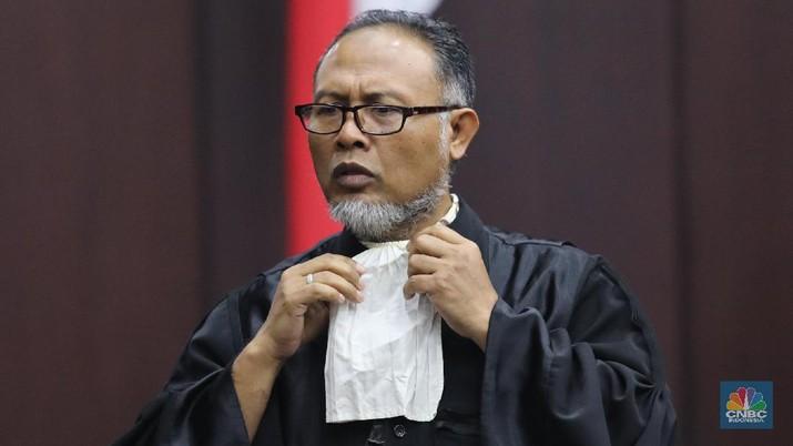 Bambang Widjojanto: Rapel Gaji 13 & THR PNS untungkan Jokowi