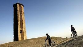 Menara Kuno Berusia 2.000 Tahun di Afghanistan Ambruk