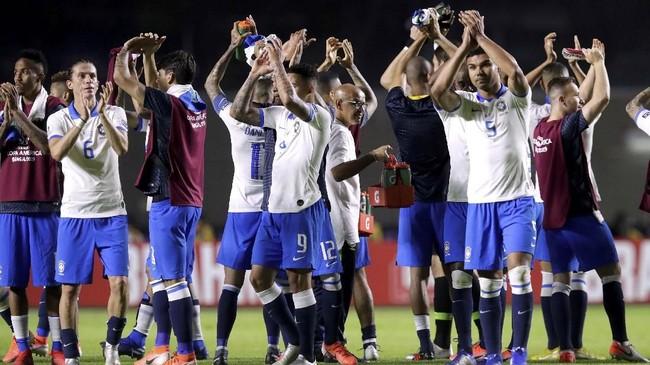 Timnas Brasil akan menghadapi Venezuela pada laga kedua Grup A yang akan berlangsung di Stadion Fonte Nova, Rabu (19/6) pagi WIB. (REUTERS/Henry Romero)