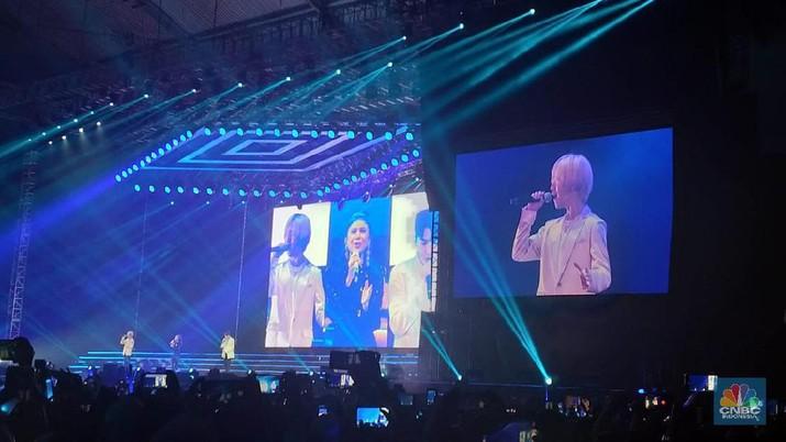Surprise! Rossa Hadir Saat Ryeowook & Yesung Suju Bernyanyi