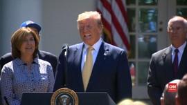 VIDEO: Trump Rayakan Ulang Tahun di Gedung Putih