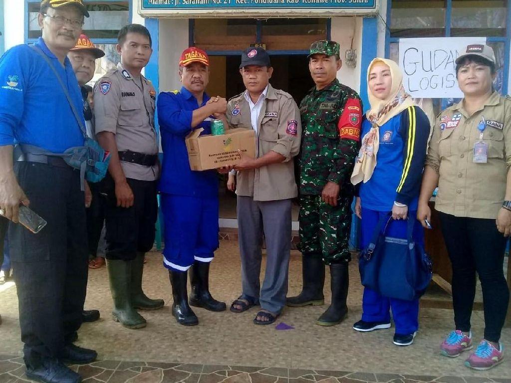 Mensos mengatakan bantuan Kementerian Sosial dikirim dari Gudang Regional Timur di Makassar telah berada di Dinas Sosial Provinsi Sultra. Selanjutnya dinsos provinsi mengirimkan bantuan ke dinas sosial kabupaten sesuai dengan permintaan dan kebutuhan masing-masing daerah.