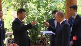 VIDEO: Es Krim Spesial dari Putin untuk Xi Jinping