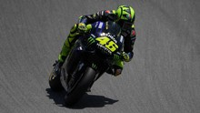 Terkena Imbas Kecelakaan Lorenzo, Rossi Putus Asa
