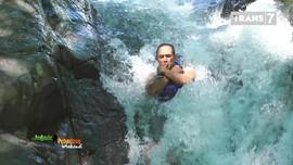 VIDEO: Menantang Adrenalin di Air Terjun Kembar, Bali