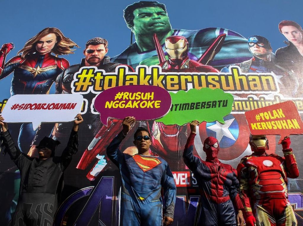 Batman, Superman, Spiderman dan Iron Man Deklarasi Tolak Kerusuhan