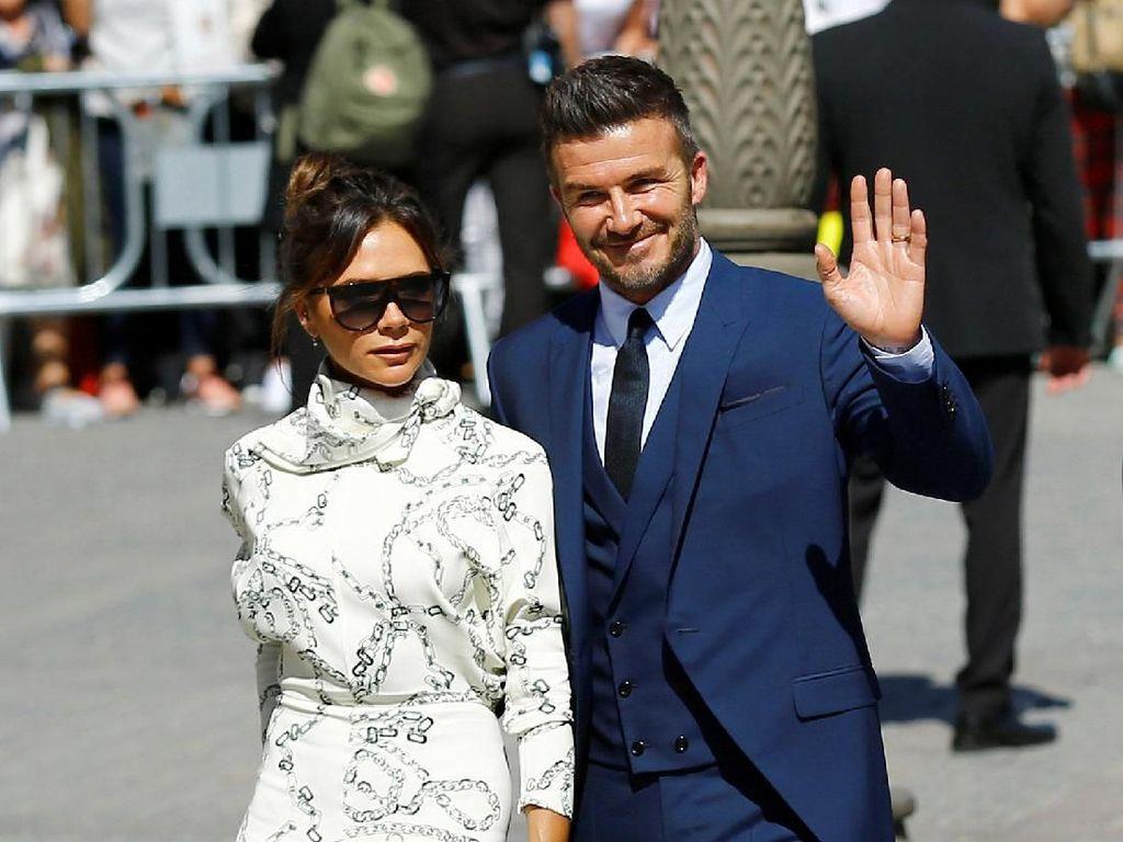 Para pesepakbola dan mantan pesepakbola top hadir dalam pesta pernikahan tersebut, salah satunya David Beckham. Dia hadir dengan didampingi istrinya Victoria Beckham. Marcelo del Pozo/Reuters.