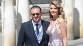 Legenda Real Madrid Predrag Mijatovic hadir bersama sang istri, Aneta Milicevic, di pernikahan Sergio Ramos dan Pilar Rubio. (CRISTINA QUICLER / AFP)