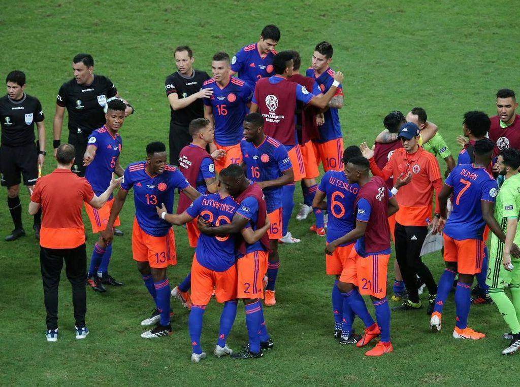Dengan hasil ini, Kolombia sementara memimpin Grup B dengan tiga poin dan Argentina berada di posisi terbawah. Posisi ini masih bisa berubah menunggu hasil Paraguay vs Qatar. Reuters/Rodolfo Buhrer.