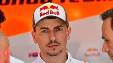Lorenzo Pertimbangkan Pensiun dari MotoGP