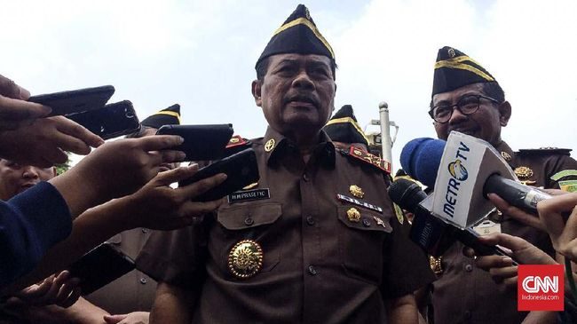 Jaksa Agung Tak Akan Buru-buru Eksekusi Baiq Nuril