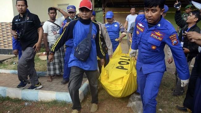 Sebanyak 17 orang tewas, 5 hilang dan 39 lainnya bisa diselamatkan.(ANTARA FOTO/Saiful Bahri)