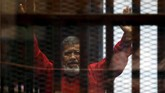 Mohamed Mursi meninggalkan jejak sejarah sebagai presiden sipil pertama diMesirketika mengembuskan napas terakhirnya usai terkena serangan jantung di Pengadilan Kairo pada Senin (17/6). (Reuters/Amr Abdallah Dalsh)