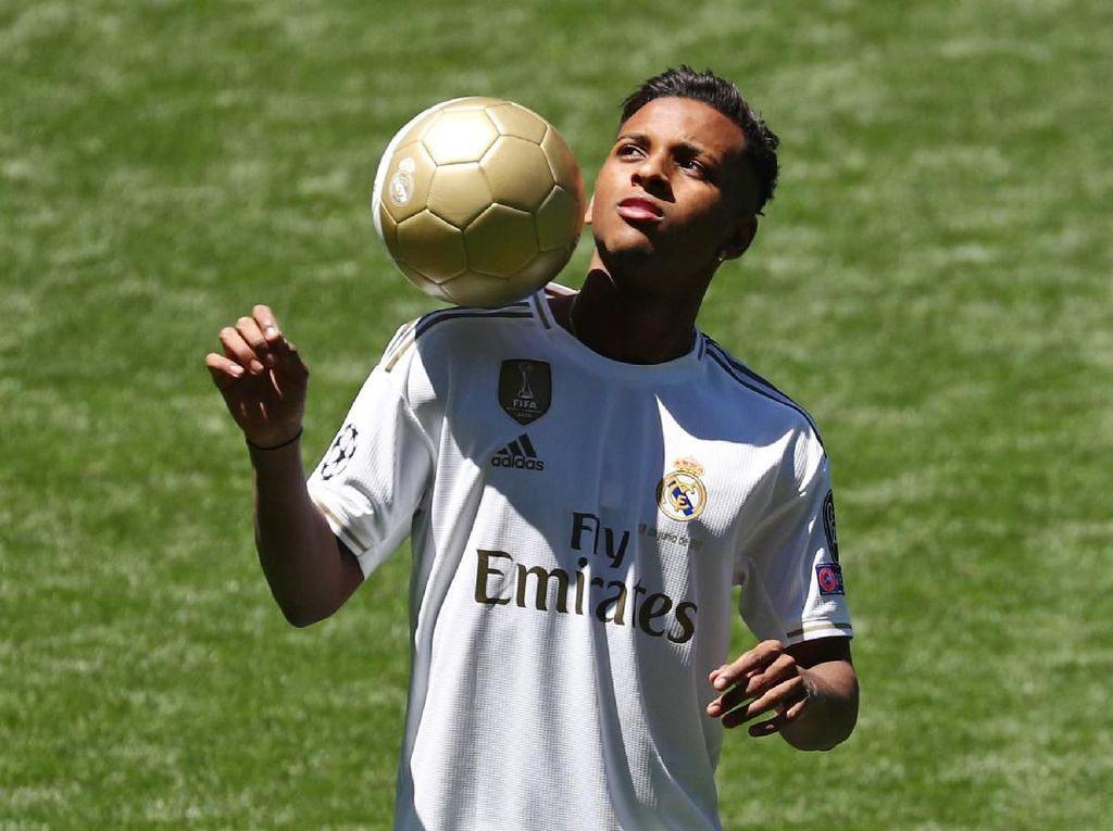 Dengan harga 45 juta euro, Rodrygo diboyong Real Madrid demi memperkuat sisi kiri pertahanan. Pemain asal Brasil ini diangkut dari Santos. (REUTERS/Sergio Perez)