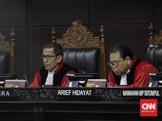 MK Minta Tim Prabowo Perbaiki Alat Bukti hingga Pukul 12.00