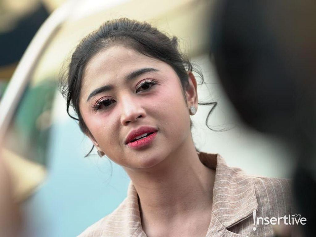 Viral Foto Lawas Rosa Meldianti, Dewi Perssik: Sudah Tahu Perawatan
