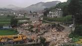 Gempa bumi memang kerap mengguncang provinsi Sichuan. Pada 2008, sekitar 87 ribu orang tewas dan hilang akibat gempa berkekuatan 7,9 SR yang mengguncang wilayah itu. (Zeng Lang/Xinhua via AP)