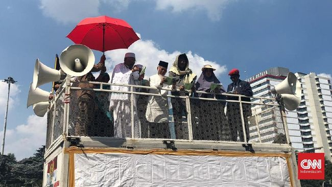 Demo di MK, Eks Penasihat KPK Sindir Jargon 'Saya Pancasila'