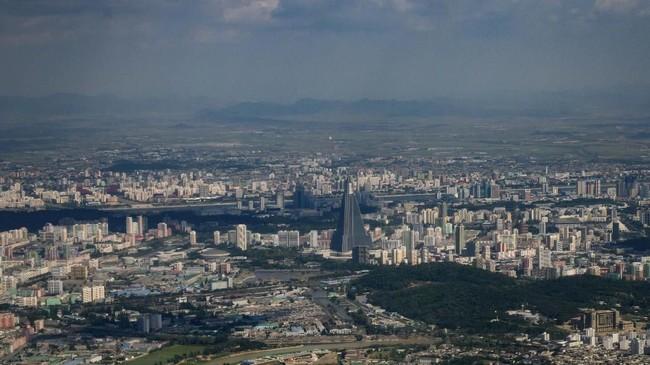 Pada musim liburan, sebanyak 2.000 turis China datang ke Korea Utara.