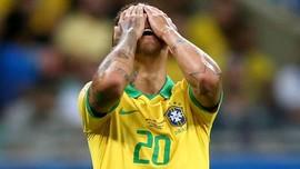 FOTO: Gol-gol Dianulir, Brasil Tergelincir di Copa America