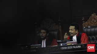 Debat Alot Tim Prabowo soal Haris Azhar Belum Disumpah di MK