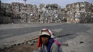 FOTO : Tumpukan Sampah Impor di Mojokerto