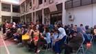 VIDEO: Orang Tua Siswa Keluhkan Zonasi SMP di Surabaya