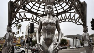 Patung Marilyn Monroe di Hollywood Dicuri