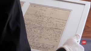 VIDEO: Tulisan Tangan Einstein Dipamerkan di Museum Nobel