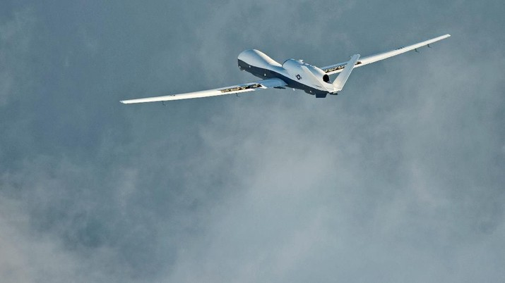 The MQ-4C Triton unmanned aircraft system completes its inaugural cross-country ferry flight at Naval Air Station Patuxent River, U.S., September 18, 2014. Picture taken September 18, 2014. U.S. Navy/Handout via REUTERS THIS IMAGE HAS BEEN SUPPLIED BY A THIRD PARTY.