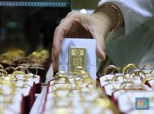 Duh! Emas Antam Turun Lagi Hari Ini, di Bawah Rp 700.000/gram