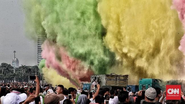Peserta juga mendeklarasikan dukungan pada program pemerintah untuk mewujudkan keamanan dan ketertiban masyarakat serta keselamatan berlalu lintas. dan siap menjadi pelopor persatuan dalam kebhinekaan. (CNN Indonesia/Andry Novelino)