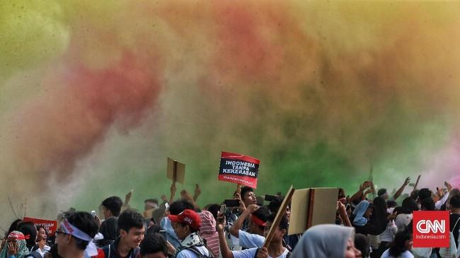 Ratusan warga DKI Jakarta dan sekitarnya antusias menghadiri acara keselamatan berkendara ini. (CNN Indonesia/Andry Novelino)
