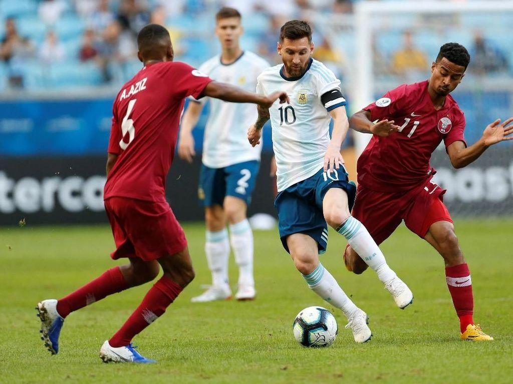 Lionel Messi dkk tampil dominan, melepaskan 19 tembakan dengan delapan di antaranya on target dari 54% penguasaan bola. Diego Vara/Reuters.