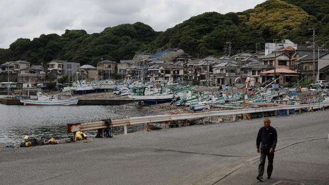 Dermaga para nelayan paus di Minamiboso.Setelah tahun 1960an konsumsi paus di Jepang menurun karena banyak daging lain yang bisa diolah. Dalam setahun Jepang mengkonsumsi 5.000 ton daging paus atau sebesar buah apel per orang. (REUTERS/Issei Kato)
