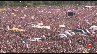 VIDEO: Penduduk Ceko Demo Tuntut Perdana Menteri Mundur