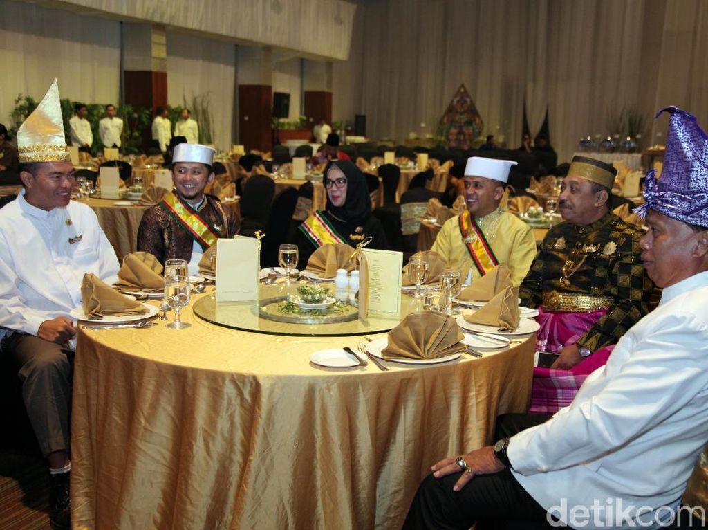Pihak dari sejumlah kementerian juga diundang dalam kegiatan ini. Mereka juga mengundang perwakilan duta besar negara sahabat untuk membahas kemajuan budaya.
