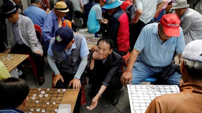 Melansir Reuters, Korsel menjadi salah satu negara dengan populasi lansia terbesar di dunia. (REUTERS/Kim Hong-Ji)